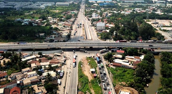 Thông xe cầu vượt tại nút giao Mỹ Thủy